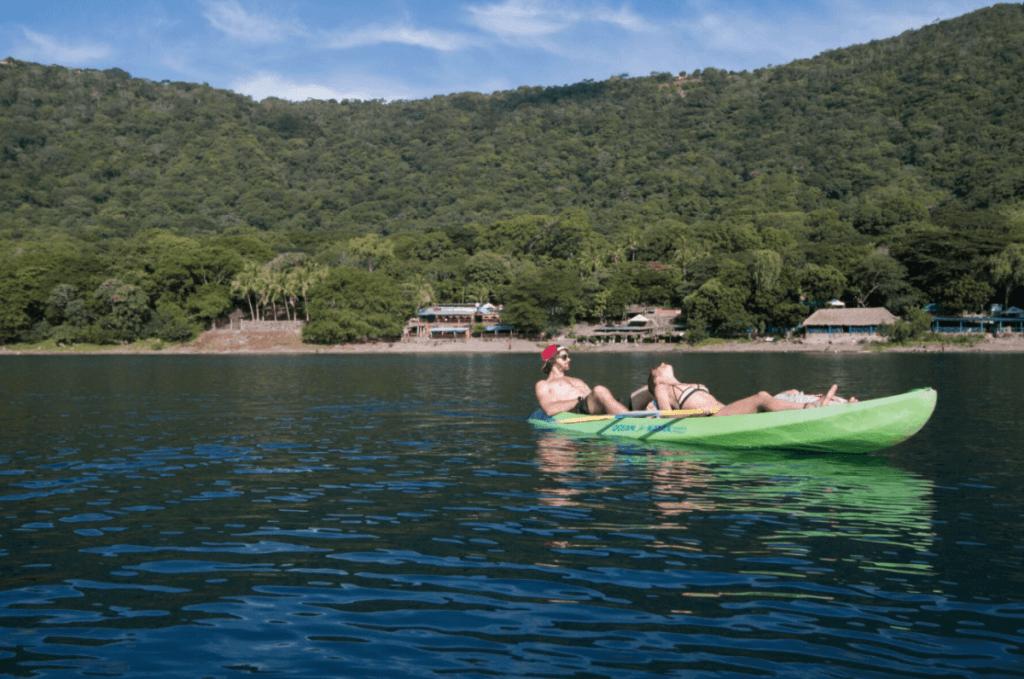 kayaking at crater lake paradiso nicaragua
